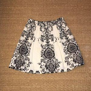 Anthropologie damask black & white skirt size 4